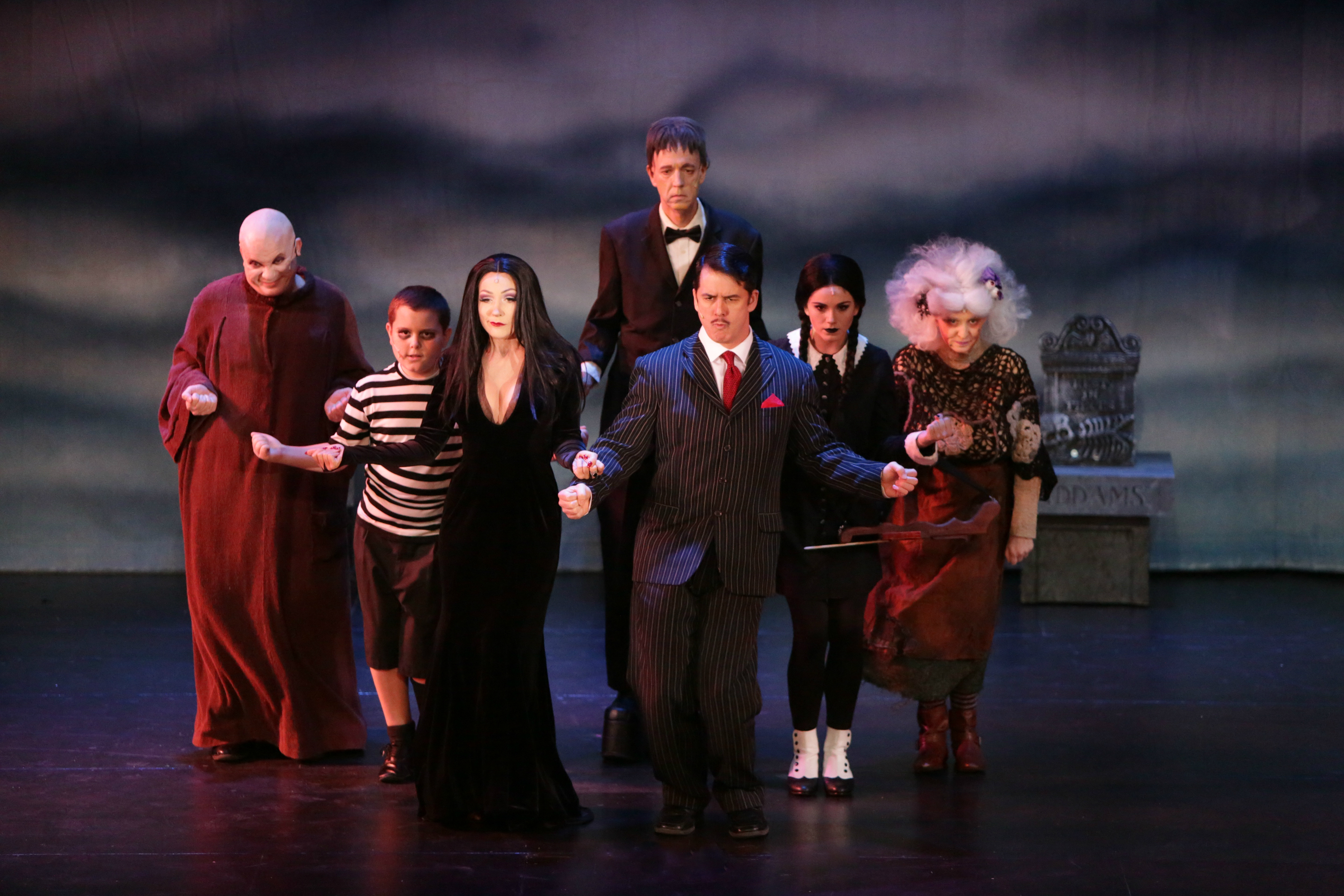 The Addams Family Creeps Its Way Into Our Hearts At The Candlelight